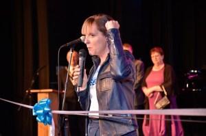 GBBO's Mel Giedroyc opens the Neeld. Photo credit: Paul Stellard